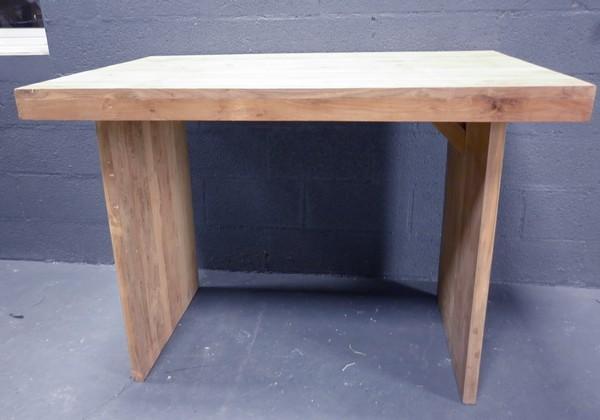tables hautes teck table en teck table haute mange debout en teck. Black Bedroom Furniture Sets. Home Design Ideas